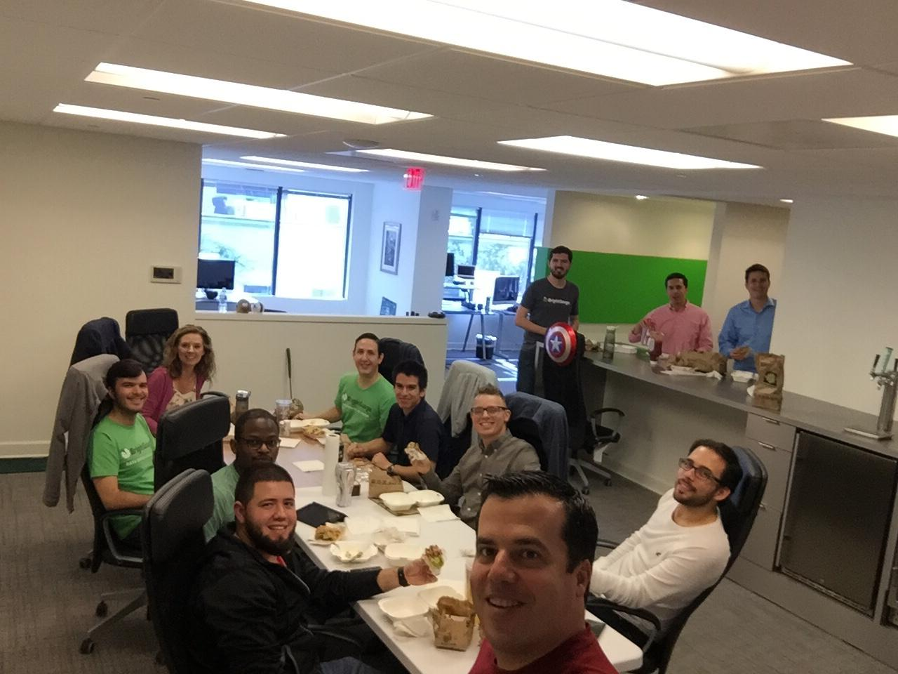 Meeting Hack: How Eating Together Maximizes our Team Collaboration
